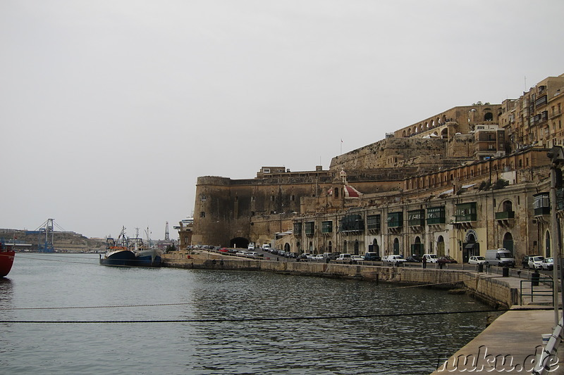 Am Hafenbecken in Valletta, Malta