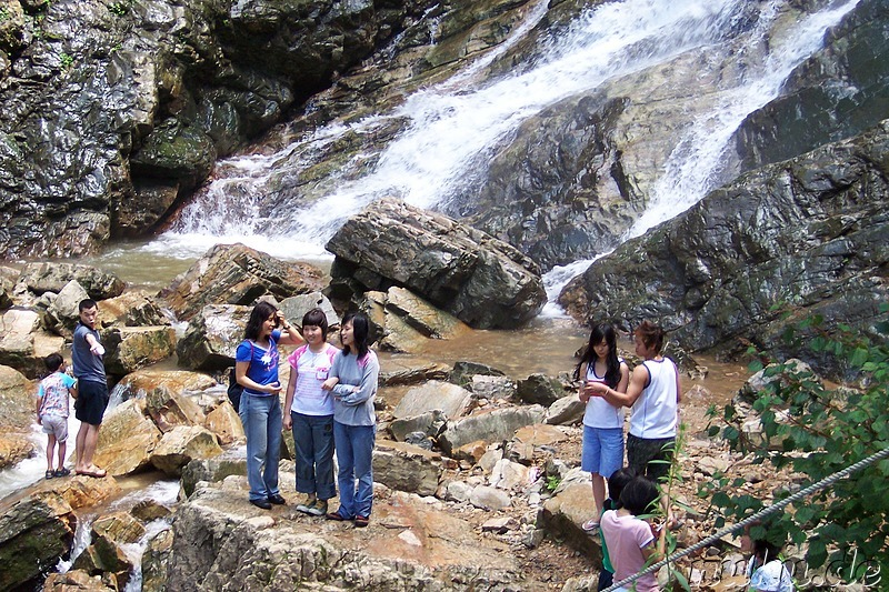 Am Wasserfall in Gangchon