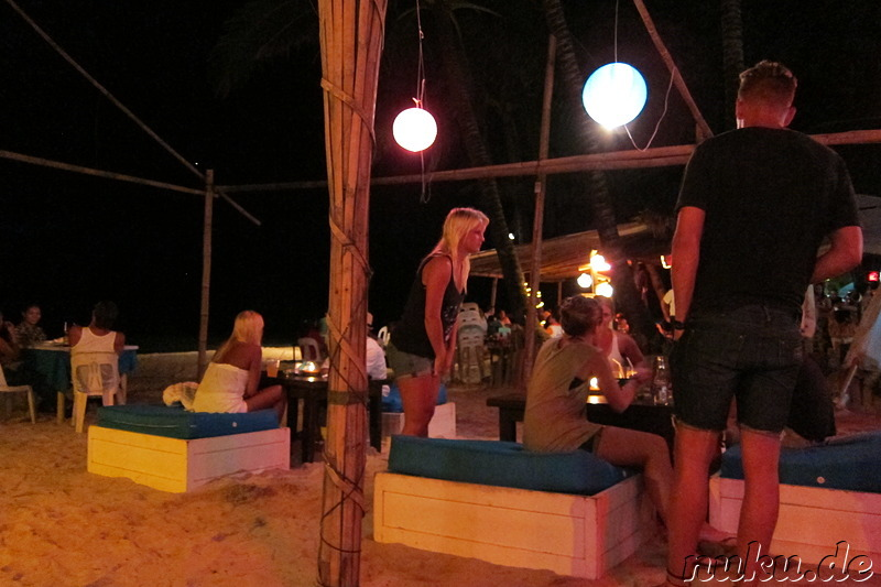 Beachbar am White Beach von Boracay, Philippinen