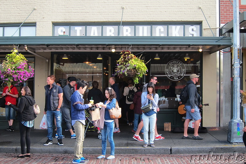 Die erste Starbucks-Filiale am Pike Place Market in Seattle, U.S.A.