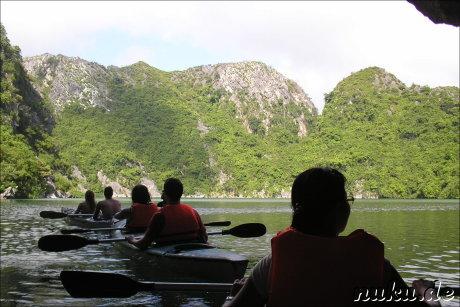 Kajaktour in Halong Bay, Vietnam