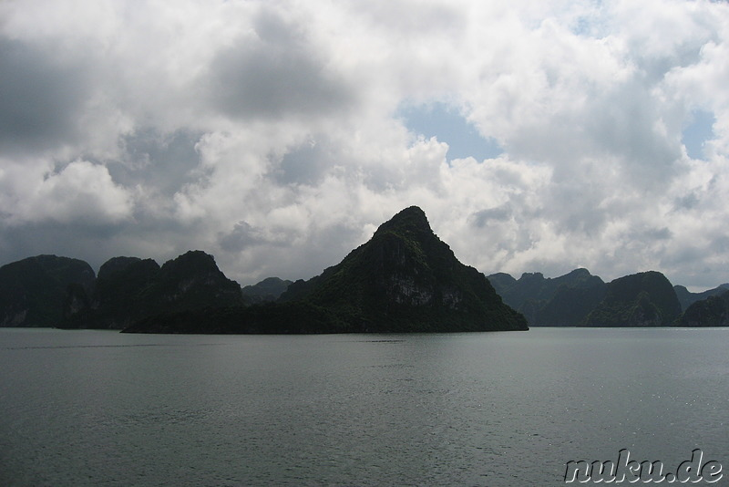 Kalkfelsen in Halong Bay, Vietnam