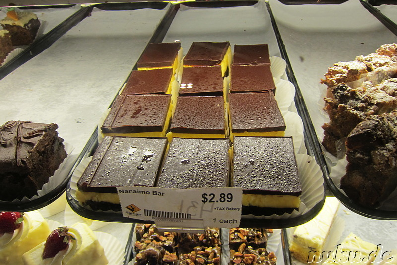Kalorienbombe Nanaimo Bar auf dem Old Country Market in Coombs, Kanada