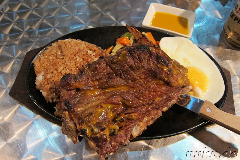 Philippinisches Grillrestaurant am White Beach auf Boracay, Philippinen