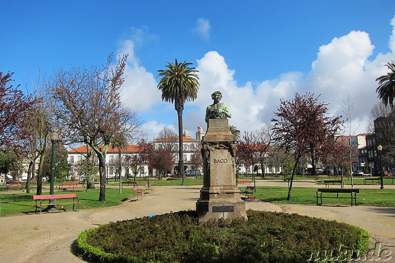 Praca da Republica in Porto, Portugal