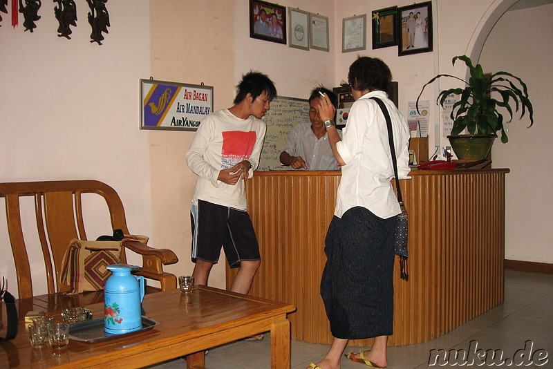 Rezeption im Gypsy Inn - Hostel in Nyaung Shwe am Inle Lake