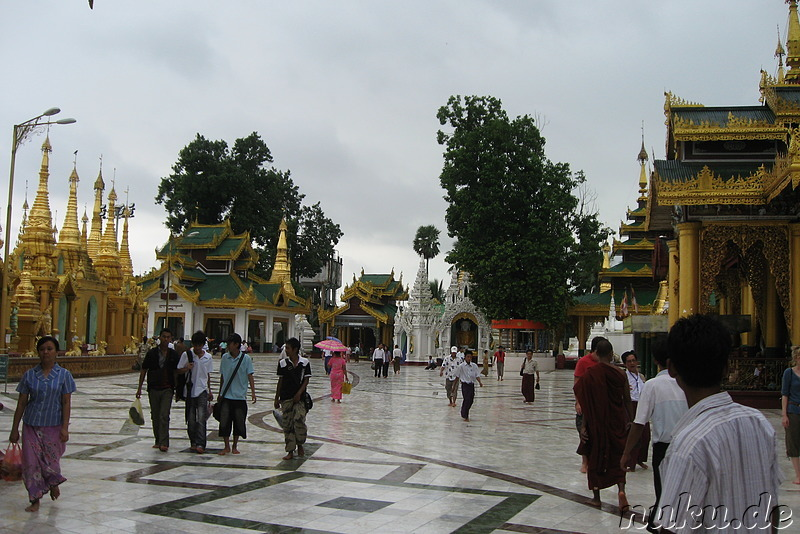 Shwedagon Pagoda - Tempel in Rangoon, Burma