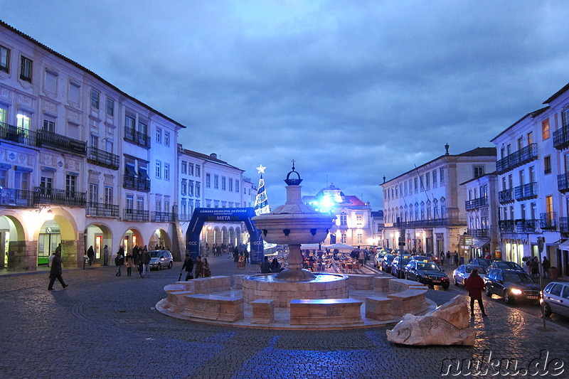 Silvesternacht 2015/16 am Praca do Giraldo in Evora, Portugal