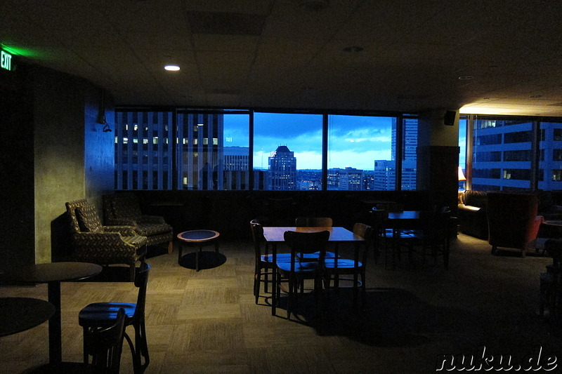 Starbucks mit Ausblick im Columbia Center in Seattle, U.S.A.