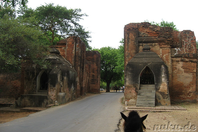 Tharabar Gate - Tor in Bagan, Myanmar