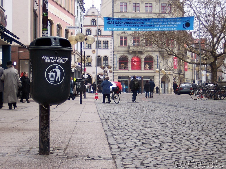 trashbin looking for a girl, Braunschweig