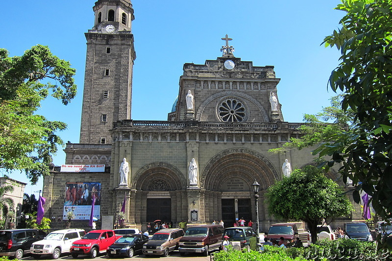 Manila Cathedral am Plaza Roma in Manila, Philippinen