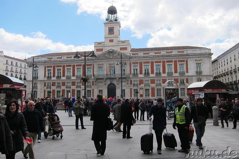 Madrid spanien reiseberichte fotos bilder tagebuch for Plaza puerta del sol