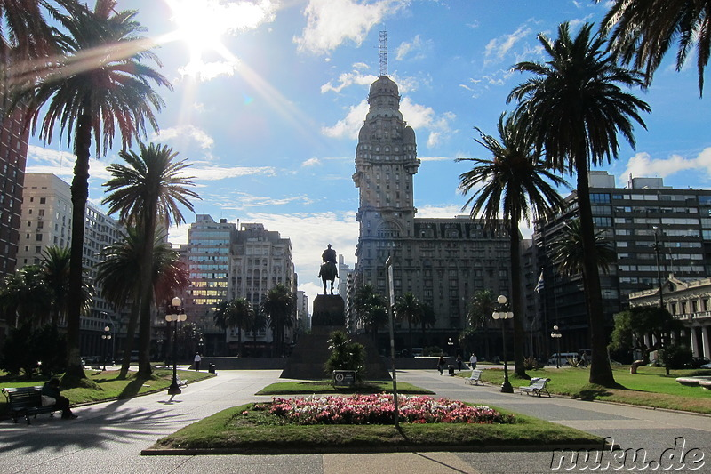 Plaza Independencia in Montevideo, Uruguay